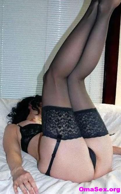 Zeigefreudige-Hausfrau in Zeigefreudige Sekretärin sucht Exhibitionisten